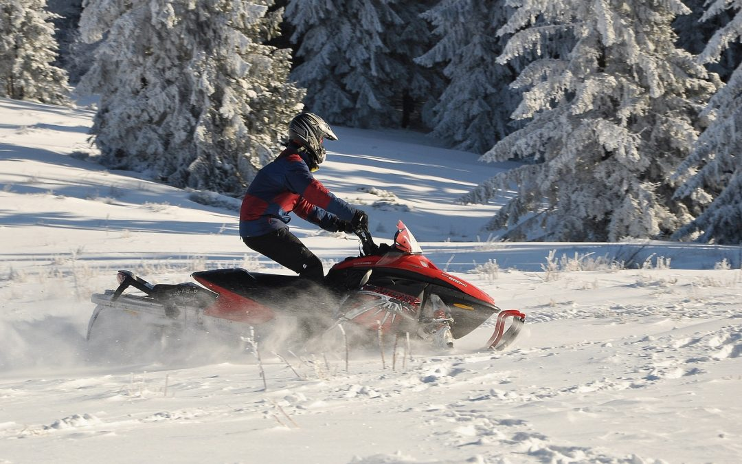 Snowmobile Safety – The Do's and Don't's For Keeping You Safe